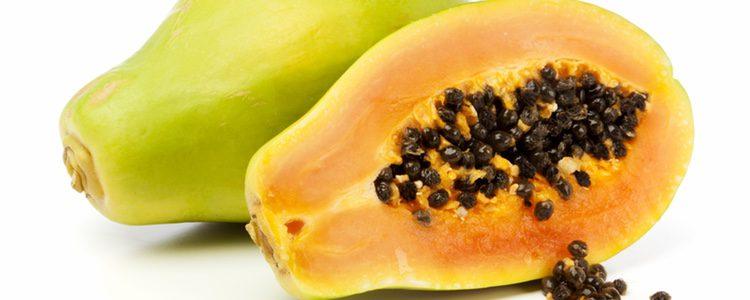 La papaya tiene numerosos beneficios para la salud
