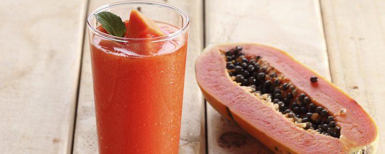 La papaya en zumo también tiene multitud de beneficios