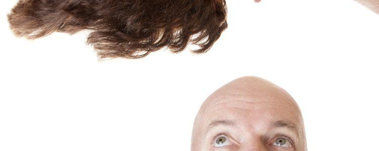 El peluquín permite la realización de diferentes peinados