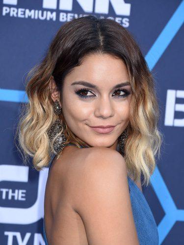 Vanessa Hudgens con un corte bob y pelo ombré