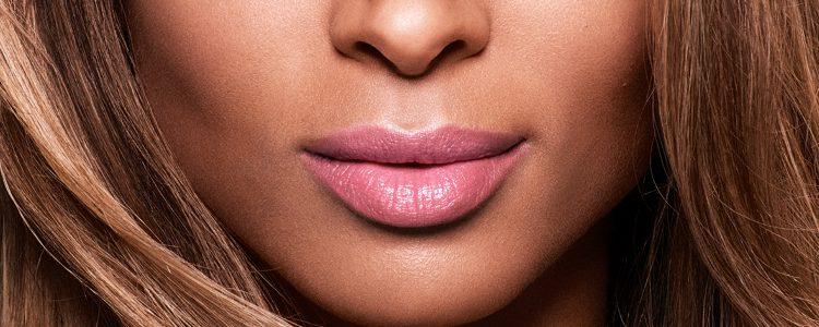 Revlon lanza una nueva campaña de bálsamos labiales
