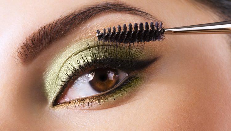 La sombra de ojos verde es esencial para Navidad