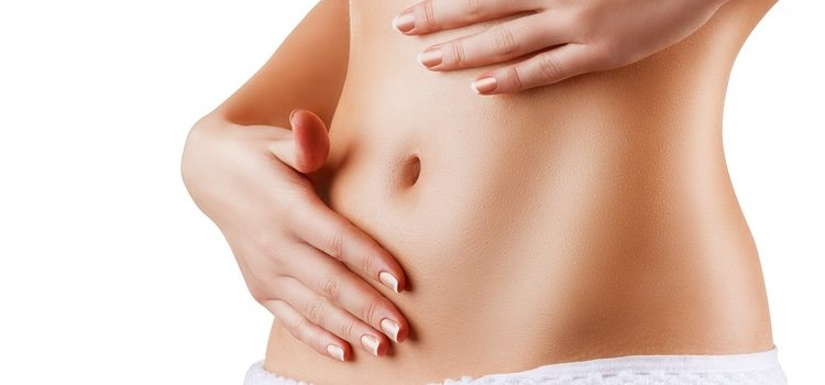 Los masajes con aceite y crema ayudan a reducir la flacidez
