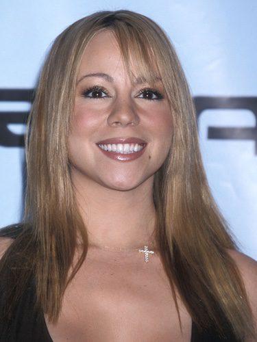 Mariah Carey con el pelo alisado