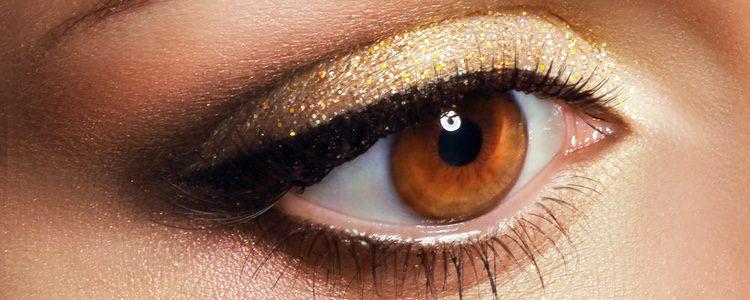Los ojos son parte fundamental en este maquillaje