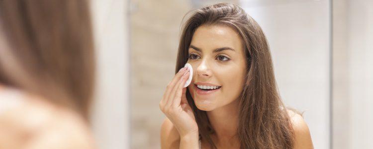 Limpiar la piel es el primer paso para lucir perfecta