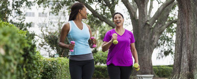 Si estableces una rutina regular, caminar te ayudará a mejorar tu salud