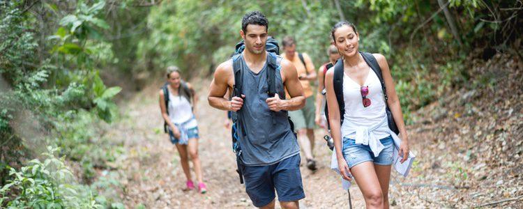 Al caminar ganarás fuerza muscular ya que tus músculos trabajan durante esta actividad
