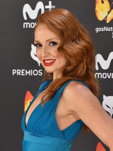 Cristina Castaño opta por unas ondas rígidas