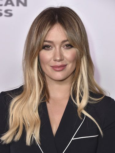 Hilary Duff con extensiones