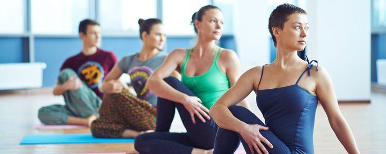 El yoga es una práctica que alarga la vida y con 15 minutos al día es suficiente
