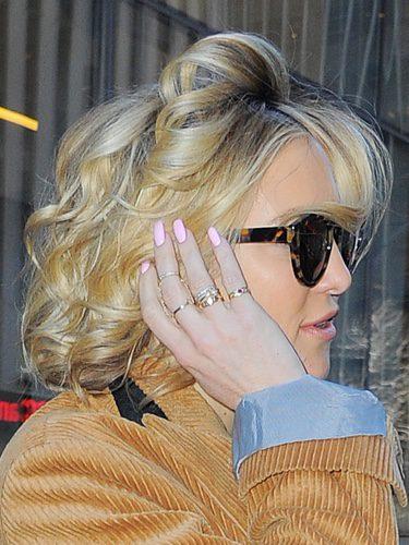 Kate Hudson con unos rizos anticuados