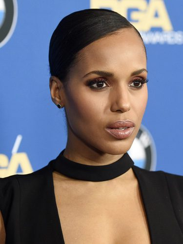 Kerry Washington con un recogido pulido