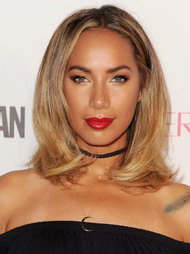 Leona Lewis con una melena midi ahuecada