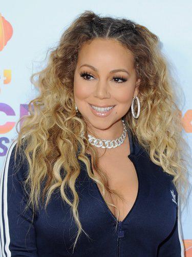 Mariah Carey con un recogido asimétrico