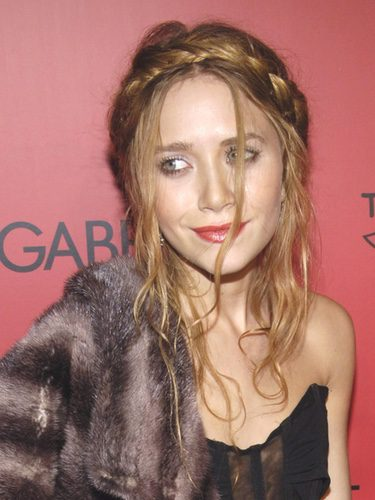 Mary-Kate Olsen con trenza diadema