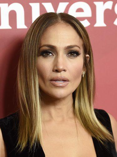 Jennifer Lopez con melena lisa