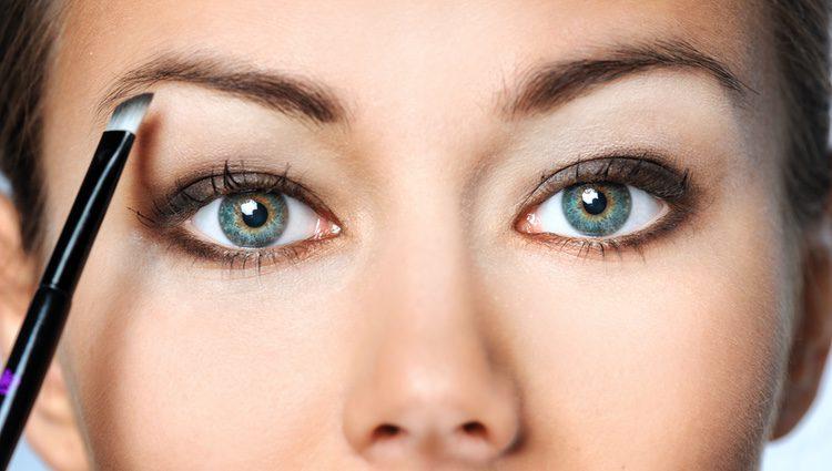 Con las cejas pluma demostrarás poseer una personalidad arrolladora y creativa