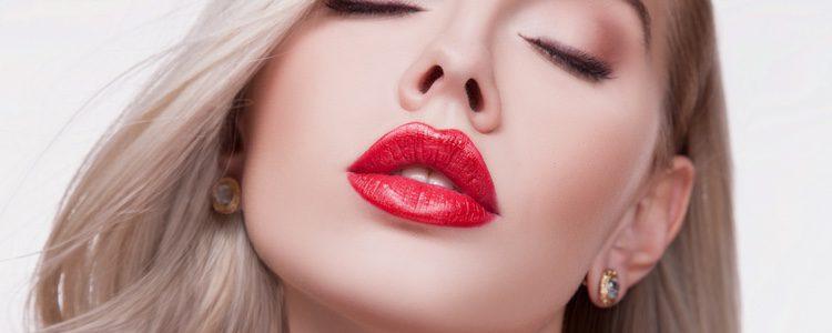 Los labios son la clave del maquillaje, atrévete con colores fuertes
