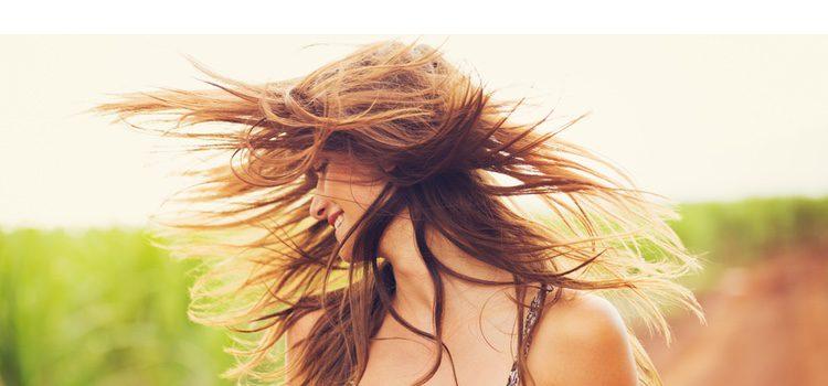 Cómo disimular el pelo sucio para una urgencia