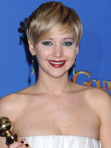 Jennifer Lawrence con cabello corto y flequillo