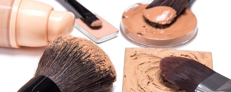 La base de maquillaje es el primer es esencial para lucir perfecta
