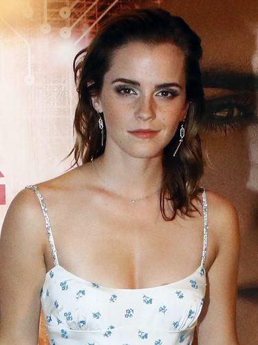 Emma Watson con melena efecto wet