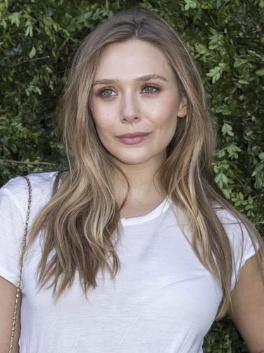 Elisabeth Olsen con un look natural