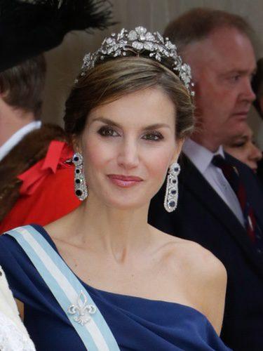 La Reina Letizia con un recogido de trenzas bajo