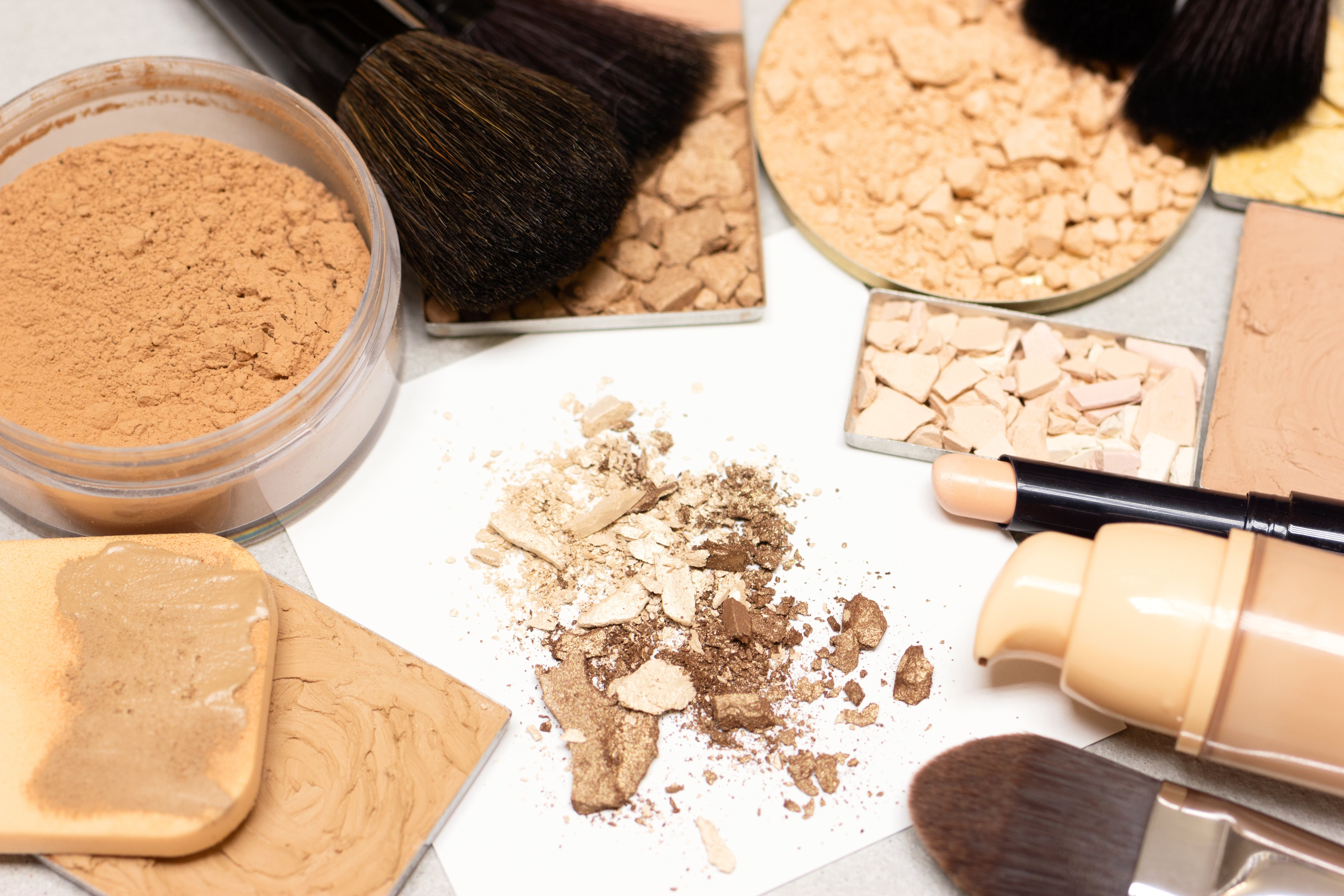 Hay que buscar la base adecuada que te ayude a unificar el tono de tu piel