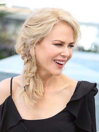 Nicole Kidman con trenza de espiga lateral