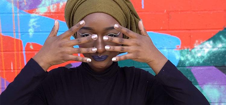 Imagen promocional de la línea de esmaltes de Orly y Muslim Girl