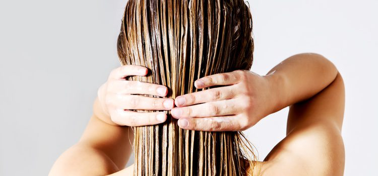 Cuida tu cabello usando algún tratamiento hidratante