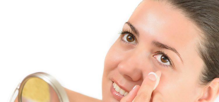 No maquillarse en exceso los ojos es un trunco para parecer mas morena