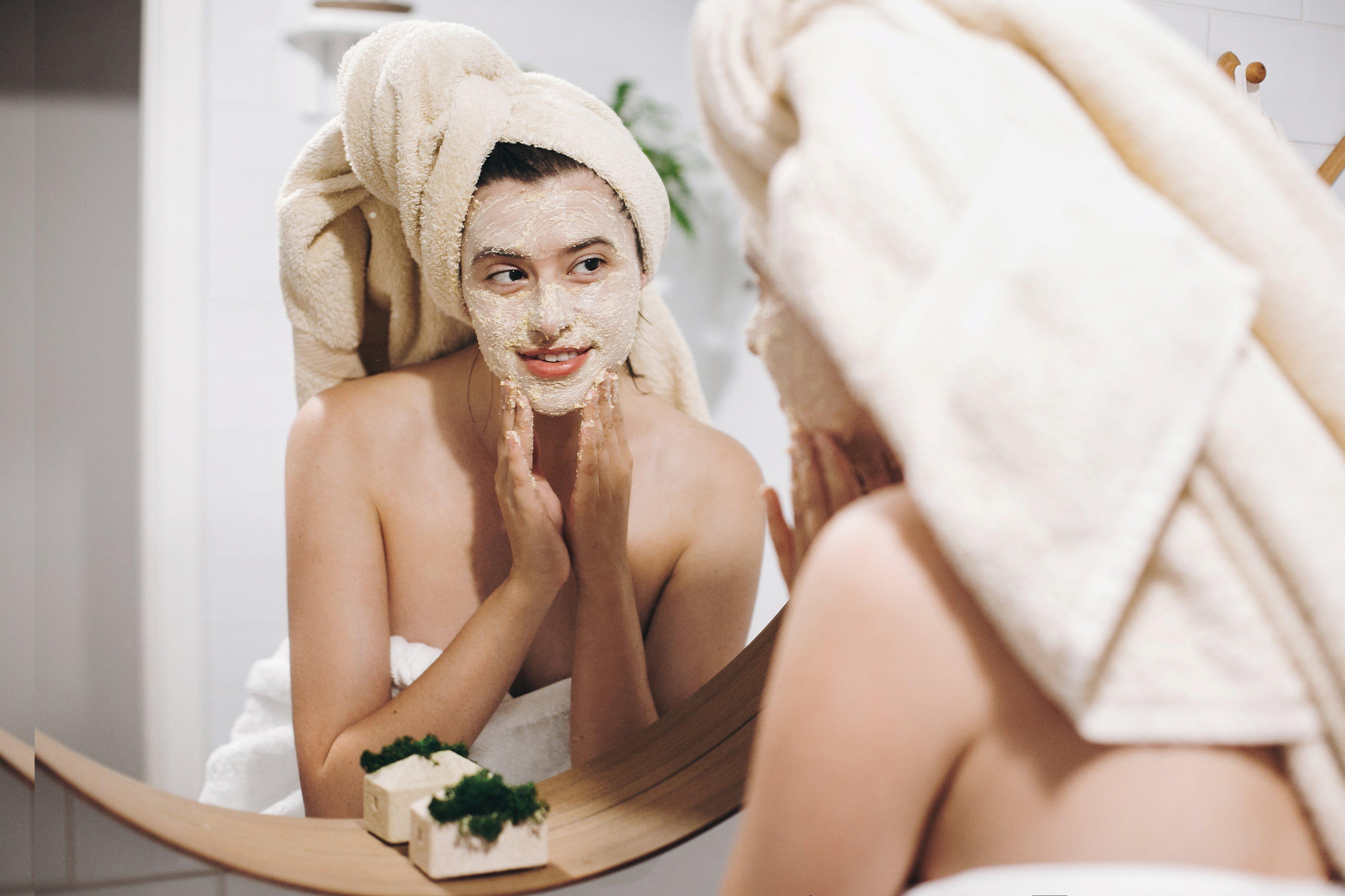 La exfoliación es un ritual de belleza muy importante para la piel