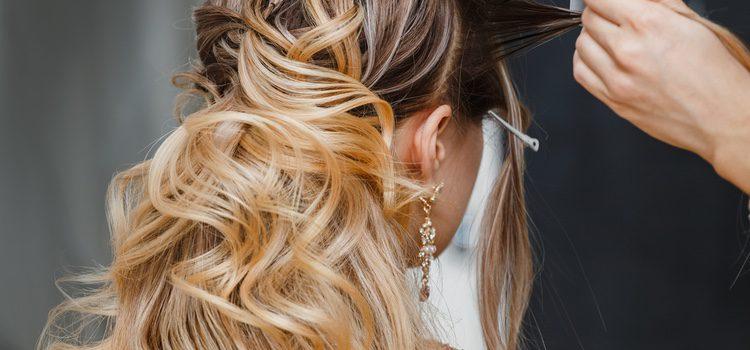 Los recogidos en un pelo largo lucen más las facciones de la cara