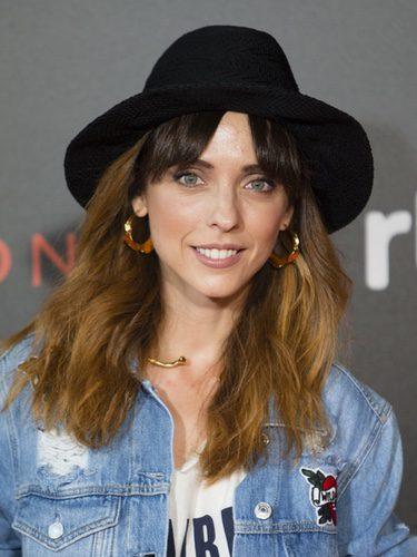 Leticia Dolera con un sombrero negro y una melena natural