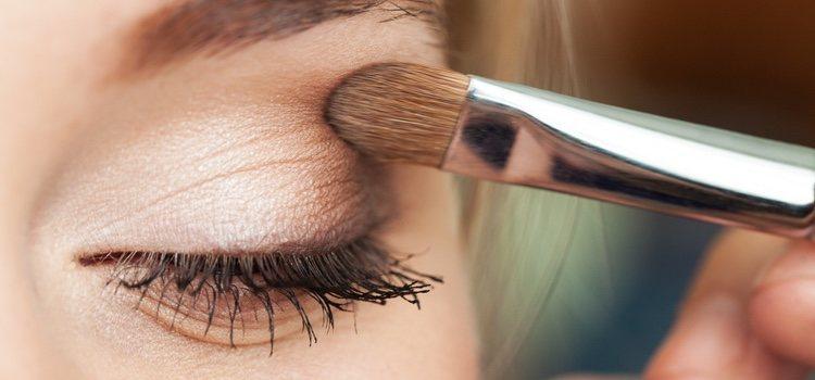 Los pinceles de sombra de ojos sí son muy utilizados