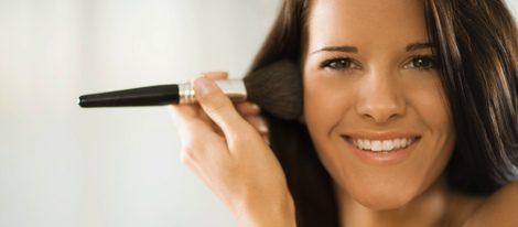 El colorete, la barra de labios o el rimel son esenciales