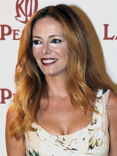 Paula Vázquez con melena suelta y un llamativo corrector de ojeras