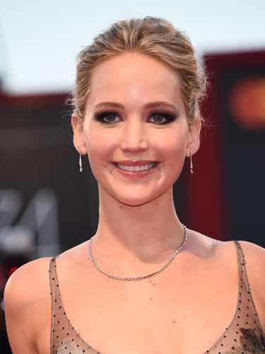 La mirada ahumada de Jennifer Lawrence
