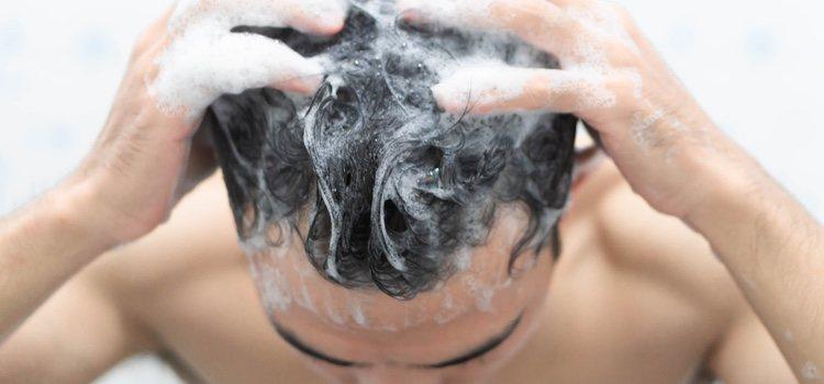 Hay que eliminar correctamente todos los restos de cera del cabello