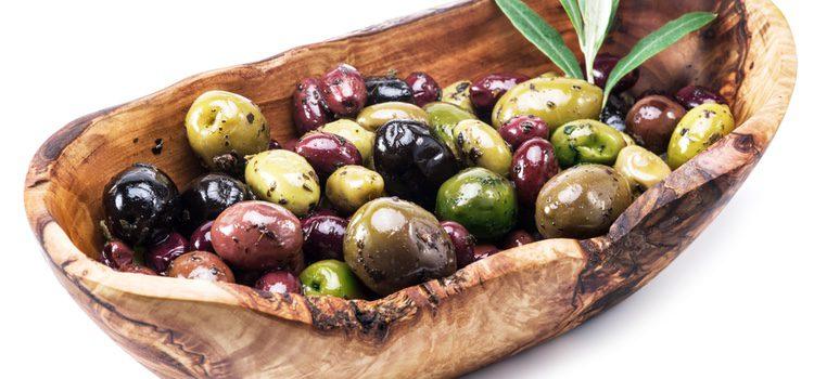 Es utilizada en muchos alimentos y bebidas, como el té o los refrescos por sus grandes propiedades
