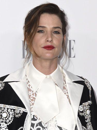 Cobie Smulders con ojos tristes