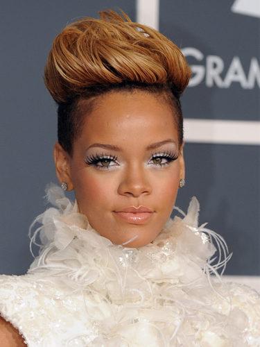 Rihanna, en los Grammy de 2010