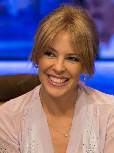 Kylie Minogue, con un recogido