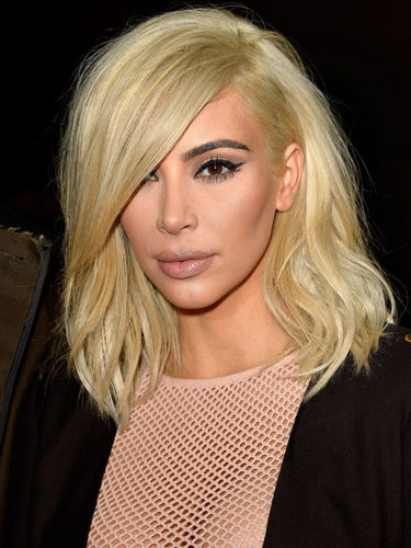 Kim Kardashian, con melena corta y rubia