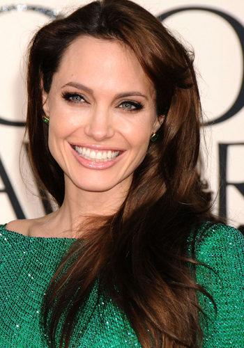 Angelina Jolie, con melena alisada