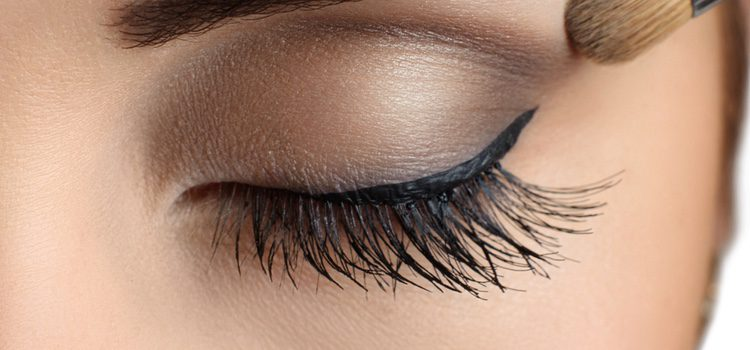 En función de la forma que tengan tus ojos te favorecerá más un maquillaje u otro