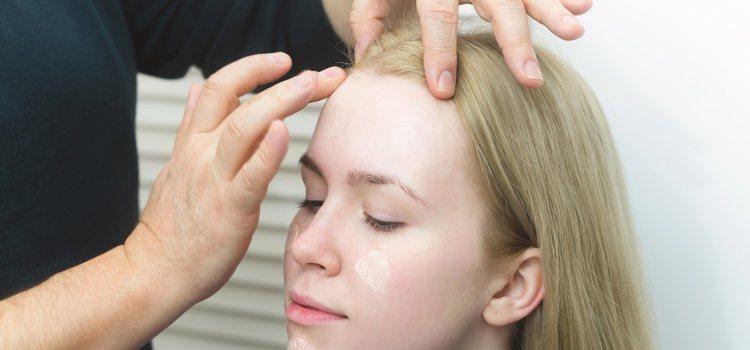 Es imprescindible aplicar una crema hidratante antes del maquillaje